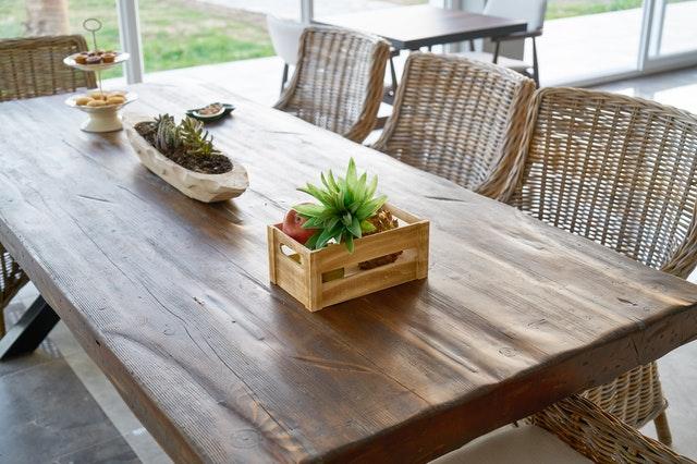 Indret hjemmet med et flot plankebord